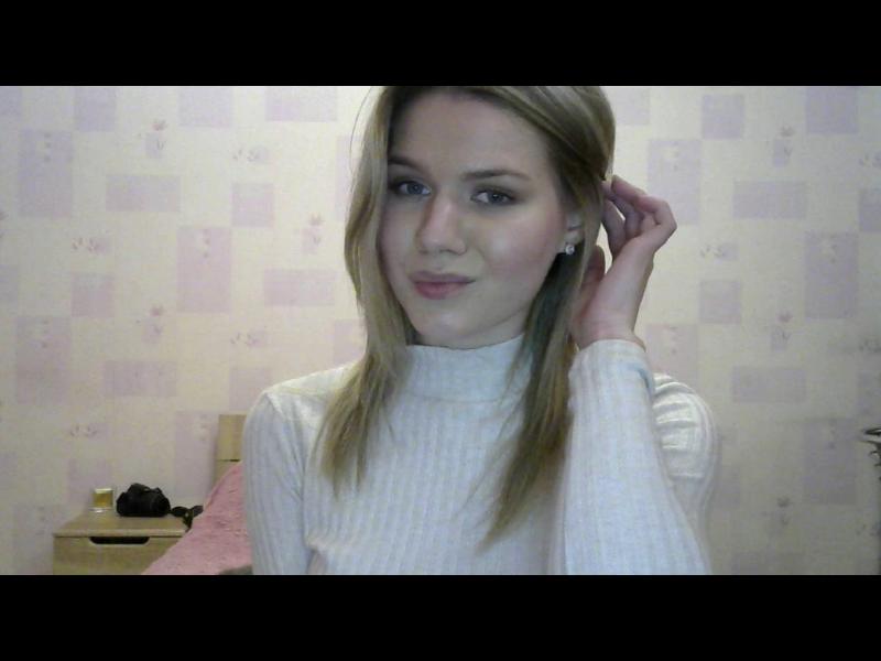 cam_blondbombshell